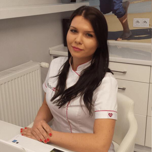 Arleta kosmetolog w gabinecie w Opolu
