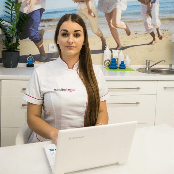 Zuzanna kosmetolog w klinice w Opolu